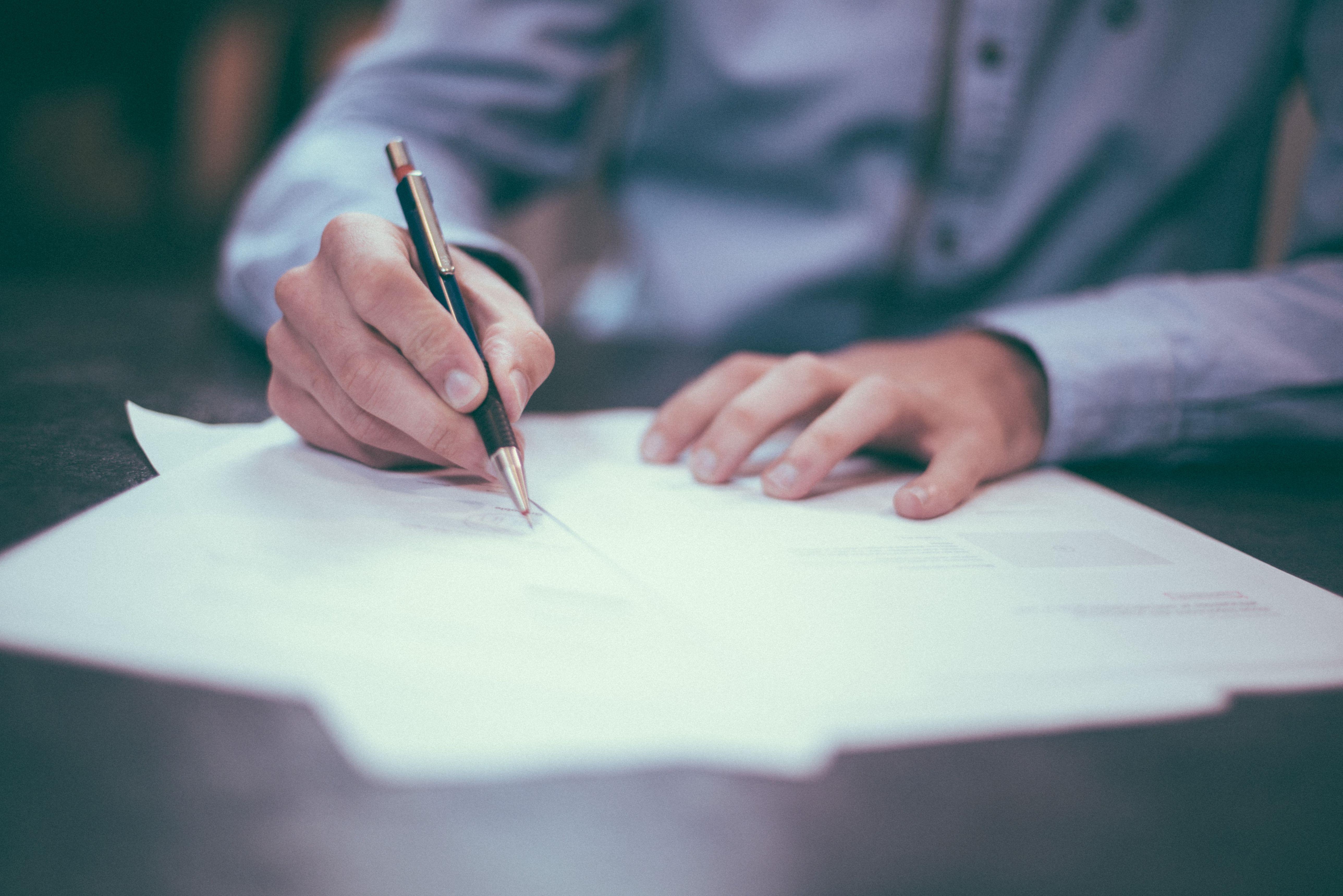 Podpisywanie umowy wirtualna asystentka